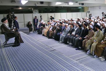 دیدار استاد موسوی به همراه نمایندگان طلاب با رهبر معظم انقلاب
